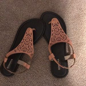 Sonoma Thong Peach Sandals Slip On 7.5. New!